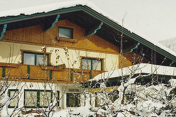 Pension aussen Winter